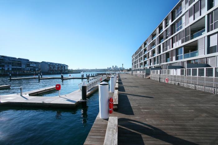 sydney_wharf_29_6_081317016958